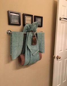 Let'S locate an unique inspiring concept concerning bathroom towel racks only on. Bathroom Towel Decor, Bath Decor, Bathroom Storage, Bathroom Interior, Bathroom Ideas, Bathroom Cabinets, Bathroom Makeovers, Bathroom Inspiration, Bathrooms Decor