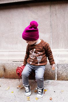 love this little hat - just a ribbed brim, stockinette body! from: rockstar diaries Little Kid Fashion, Cute Kids Fashion, Boy Fashion, Stylish Little Boys, Stylish Kids, Trendy Boy Outfits, Kids Outfits, Baby Kids, Baby Boy