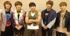 SHINee celebrates their 4th anniversary #allkpop #kpop #SHINee
