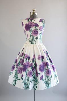 Vintage 1950s Dress / 50s Cotton Dress / Purple Floral Border Print Sun Dress S