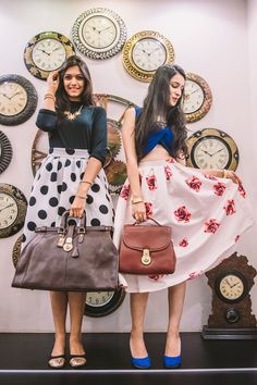 All things vintage www. Trendy Outfits, Cute Outfits, Twin Pictures, Pre Wedding Poses, Dressing Sense, Classy Casual, Vacation Outfits, Girls Jeans, Bollywood Fashion