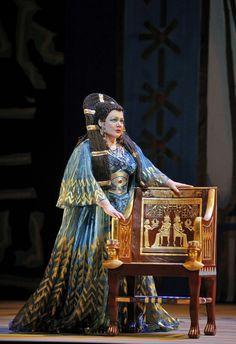 Dolora Zajick as Amneris (Photo by: Cory Weaver). American mezzo-soprano who specializes in the Verdian repertoire #VerdiMuseum