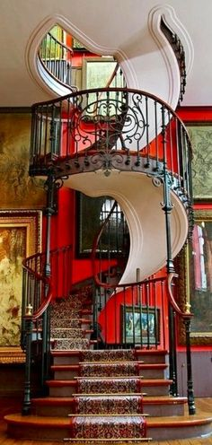 Always loved spiral staircases but especially love this one from the color to the wood! Love everything!