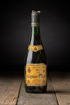 Old bottle of wine, Campo Viejo Rioja 1961, Strobe Photography, Studio Photography