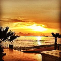 Sunset in Cannes Photo by mobileheim