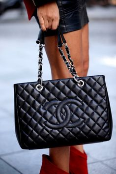 Quilted black leather\