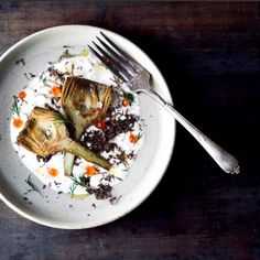 Alcachofas confitadas, burrata, trufa, huevas de salmón. - Fresa y Pimienta Recipe, Juices, Appetizers, Recipes, Artichokes, Truffles, Entrees, Food, Recipies