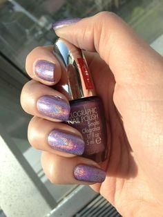 Holographic nail polish by PUPA