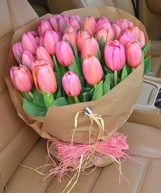Send Flowers for Girlfriend Online Pink Tulips, Tulips Flowers, Flowers Nature, Pretty Flowers, Planting Flowers, Beautiful Flowers Photos, Flower Photos, Amazing Flowers, Beautiful Roses
