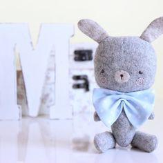 Peluche Conejo personalizado  Minis Mr Bunny por MinisByVane, €30.00