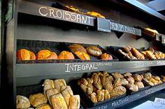 Bakery Shop Design, Bread Shop, Croissant, Food Truck, Restaurant Bar, Finger Foods, Sausage, Food And Drink, Meat