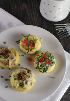 A #keto version of your favorite Egg Bites inspired by Starbucks. At less than 1g net carb per, they are a perfect grab-and-go breakfast! Shared via //www.ruled.me