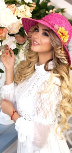 Spring Hats, Summer Hats, Summer Parties, Holiday Hats, Sun Hats For Women, Most Beautiful Faces, Pink Hat, Cool Hats, Stylish Girl