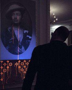 Bleeding Black Light Captures : zevs suite 112 installation