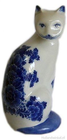 Puss Delftware € 15.90 Delft Blue Cat. LxH size 9x19 cm