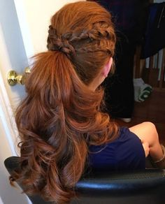 curly ponytail with braids