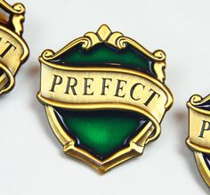 New Slytherin Hogwarts Prefect Badge - Harry Potter Movie & Pottermore Version!! Only at KingsCross!!