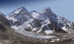 Everest - a panoramic zoom at base camp. If you look close enough, you can see climbers on the mountain. Monte Everest, Glaciers Melting, Pixel Image, Travel News, Science Nature, The Great Outdoors, Cool Photos, Amazing Photos, Beautiful Pictures