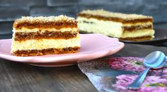 Zimska tortica iz lahkega beljakovega testa z orehi in s kremo iz bele čokolade in pomaranč