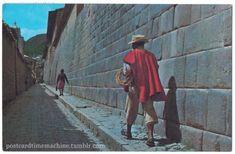 Calle Loreto Kij'llo y Muros de Acllahuasi