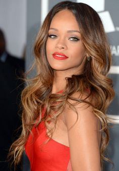 Rihanna hair grammys | Rihanna debuted a brand new hairstyle at last night's Grammys. She ...