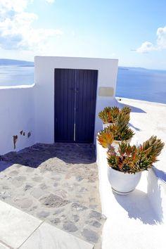 GREECE CHANNEL | #Blue door in #Oia, #Santorini http://www.greece-channel.com/