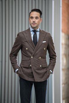 Best Wedding Suits, Wedding Suit Styles, Blue Pinstripe Suit, Light Blue Dress Shirt, Brown Suits, Outfit Grid, Mens Fashion Suits, Gentleman Style, Stylish Men