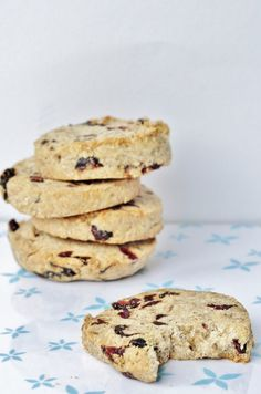 Vegan Nut Butter Cranberry Cookies - Make this cookie recipe using your favorite nut butter (almond, coconut, peanut, sunflower. etc.) plus an easy way to make perfect round cookies! Big, whole wheat cookies that taste like shortbread cookies. #Vegan #Dessert ~ Vegan Family Recipes