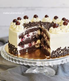 Tort z kremem jogurtowym i borówkami, jeżynami Sweet Recipes, Cake Recipes, Dessert Recipes, First Communion Cakes, Torte Recipe, Polish Recipes, Cake Shop, Homemade Cakes, Cakes And More