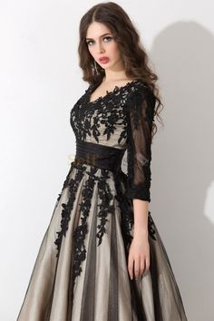 I like this. Do you think I should buy it? Stunning Dresses, Beautiful Gowns, Elegant Dresses, Cute Dresses, Hijab Evening Dress, Hijab Dress Party, Evening Dresses, Vetement Fashion, High Fashion Dresses