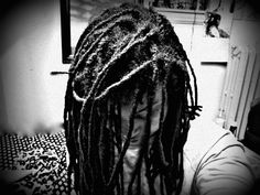 i never liked fussing with my hair. wash, oil, and go always worked for me. especially my locs. the nappier the better. plus once i retwist i got mad length 'cause of all the new growth. #mehjata #locs #loveem #freshwash #girlrillavintage #theeamazinggrace