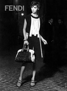 Arizona Muse channeling Sophia Loren in an incredibly chic ensemble.