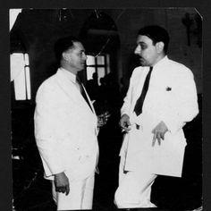 El senador socialista señor Epifanio Fiz Jiménez (izquierda) cambia impresiones con el senador liberal don Luis Muñoz Marín.