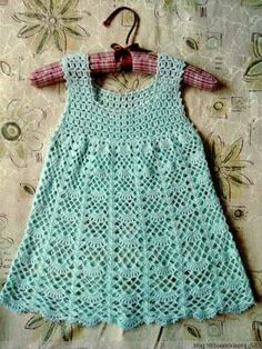 Hello friends, good afternoon!   I found a cuteness these dresses and very easy to do!   My little girl grew up and still do not hav...