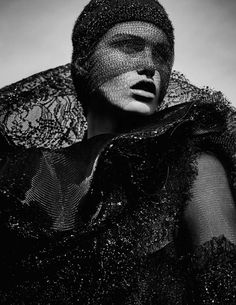 Model Luna Bijl is styled by Juan Cebrián in holiday glam with gorgeous scarlet woman draping and pleating. Nathaniel Goldberg captures the fashion drama for Vogue Spain December Hair by Shon Ju; makeup by Petros Petrohilos Vogue Editorial, Editorial Fashion, Magazine Editorial, Editorial Photography, Fashion Photography, Brand Magazine, London Photographer, Black Gold Jewelry, Welcome To The Jungle