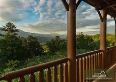 Gatlinburg Vacation Rental Chalet: AMAZING VIEW LODGE - Jackson Mountain Homes