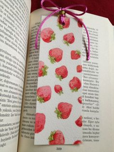Handmade watercolor bookmark set of 2 with strawberries . Creative Bookmarks, Cute Bookmarks, Bookmark Craft, Bookmark Ideas, Handmade Bookmarks, Watercolor Bookmarks, Watercolor Cards, Watercolor Paintings, Watercolor Leaves