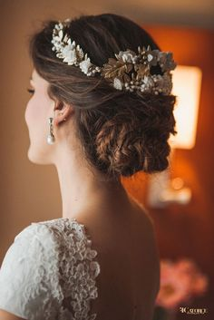 Bridal updo with tiara and veil bridesmaid hair 38 Super Ideas Bridal Updo, Bridal Headpieces, Bridal Makeup, Wedding Makeup, Trending Hairstyles, Cool Hairstyles, Vintage Wedding Hair, Boho Stil, Bridesmaid Hair