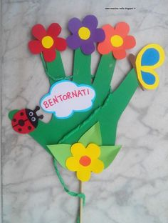 In teacher with hands . Kids Activities At Home, Kids Wedding Activities, Creative Activities, Spring Projects, Spring Crafts, Fish Crafts, Flower Crafts, Art For Kids, Crafts For Kids