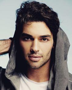 Turkish Men, Turkish Actors, Middle Eastern Men, Latin Men, Beautiful Men Faces, Man Character, Hot Actors, Pretty Men, Fine Men