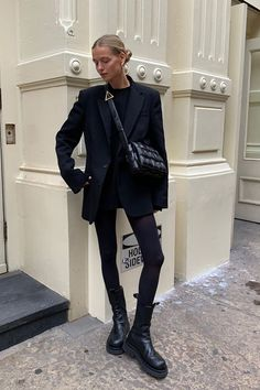 """This year is the year of """"ugly"""" shoes. Click through to see which pairs are the ugliest shoes of ranked from least to most outrageous. Dr Martens Style, Fall Outfits, Fashion Outfits, Ugly Shoes, Winter Fits, Street Style Summer, Cool Street Fashion, Streetwear Fashion, Vestidos"""
