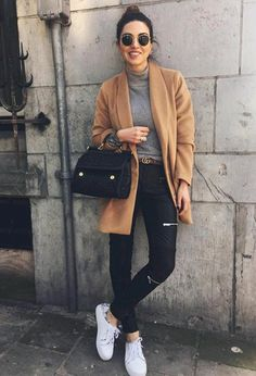 ♥️ Camel coat, grey turtleneck top, black skinny jeans, handbag & belt, change to black booties or to leopard shoes Uni Outfits, Mode Outfits, Casual Outfits, Fashion Outfits, Black Outfits, Casual Party Outfit Teen, Autumn Outfit For Teen Girls, Date Outfit Casual, Office Outfits