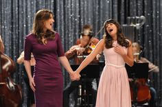 Idina Menzel as Rachel's mom on GLEE=best mother/daughter casting ever
