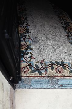 Mosaic tile floor in La Rochelle, France. Floor Rugs, Tile Floor, Floor Design, House Design, Home And Deco, Mosaic Tiles, Mosaics, Mosaic Floors, Tiling