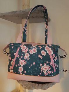 Sac Java en simili rose et motifs japonais cousu par Ange - Patron Sacôtin