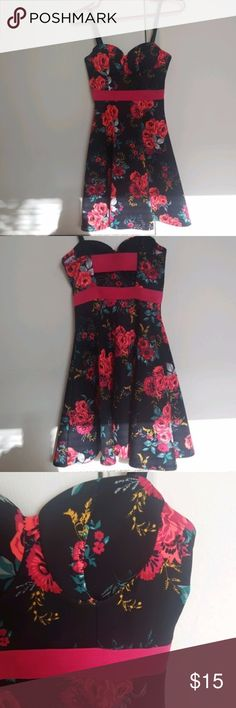 Charlotte Russe Black Red Floral Bustier Dress Bust 13in Length 30in Like New Soo Beautiful and Silky Feeling Bustier so makes your ladies feel and look great Charlotte Russe Dresses Mini