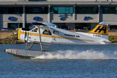 Harbour Air C-GTBQ De Havilland Canada DHC-2 MK. I 1316 YVR Vancouver Airport 2012