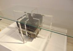F 456 artys table basse lucite 1970
