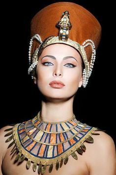The Perfect Miss: Miss Rusia 2014 es Yulia Alipova de Balakovo Egyptian Makeup, Egyptian Fashion, Egyptian Beauty, Egyptian Women, Egyptian Costume, Egyptian Goddess, Egyptian Jewelry, Egyptian Art, Egyptian Headpiece