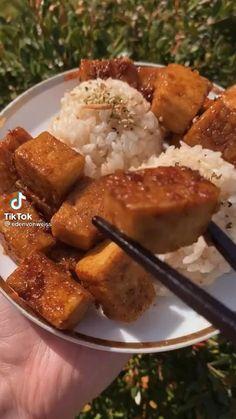 Tofu Recipes, Vegetarian Recipes, Cooking Recipes, Healthy Recipes, Good Food, Yummy Food, Köstliche Desserts, Vegan Dishes, Food Inspiration